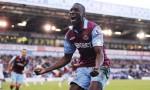Demba Ba esulta dopo un goal