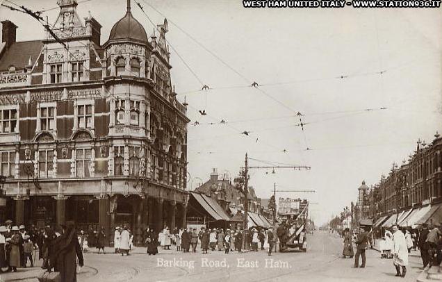 Il Boleyn Tavern Pub nel 1912