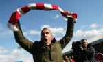 Paolo di Canio festeggia la promozione del suo Swindon Town in Football League One