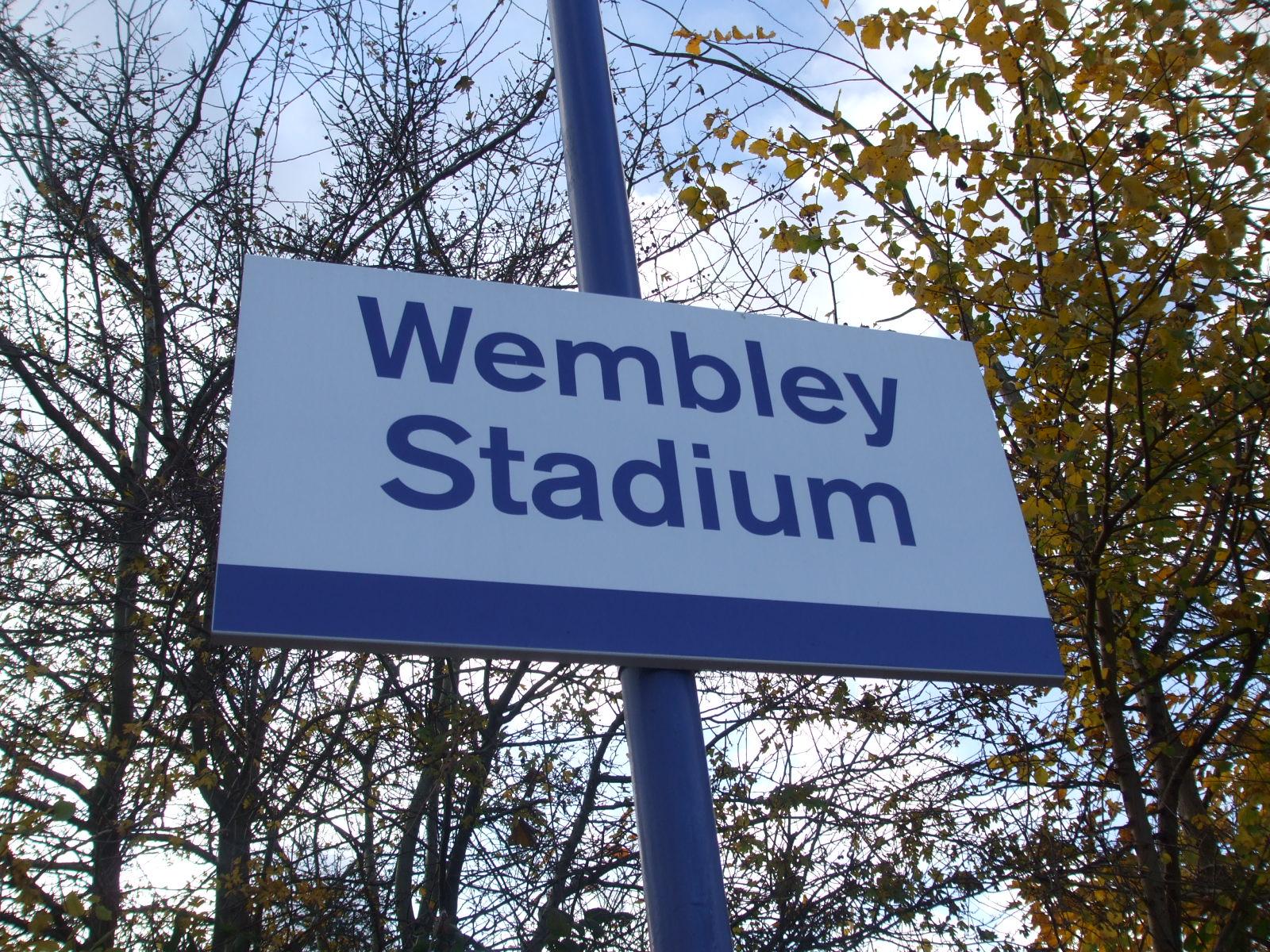 Il cartello che segnala lo stadio di Wembley