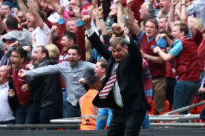 Sam+Allardyce,+Manager+of+West+Ham+celebrates+the+winning+goal
