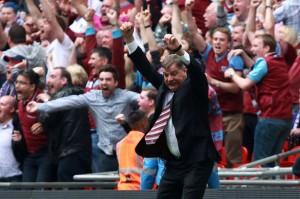 Sam+Allardyce,+Manager+of+West+Ham+celebrates+the+winning+goal