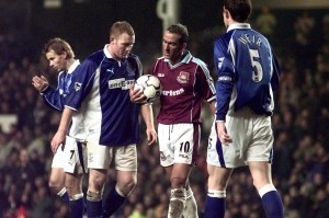 804663Paolo-Di-Canio-Football-Player-of-West-Ham-United-Dec-2000-catches-the-ball-after-Everton-G-1796354
