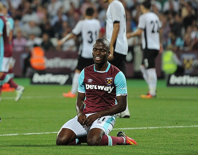 Europa League. 25/08/16: Picture; Kevin Quigley/Daily Mail West Ham v Astra Giurgiu Michael Antonio and Enner Valencia